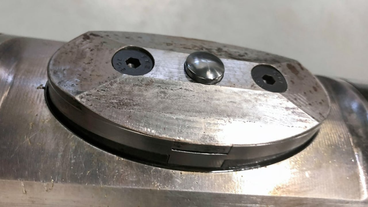 Jdk162873 Specially Developed Dimple Tool With Camera Locks Open Faulty Downhole Safety Valves 1280X720
